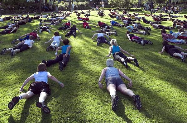 Jympa, salsa, yoga och zumba i Stadsparken i sommar